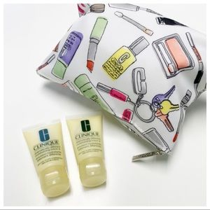 Clinique • Cosmetics Bag & Moisturizing Lotion+ •